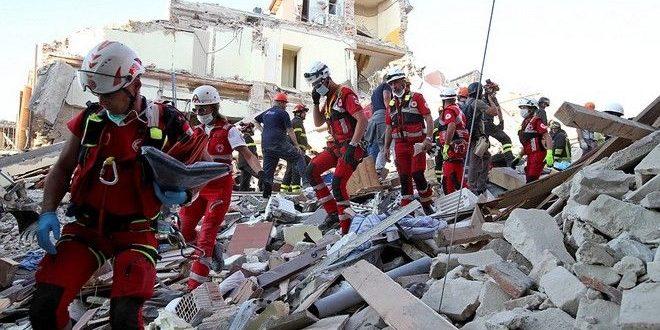 Συνεχίζονται οι προσπάθειες απεγκλωβισμού των πληγέντων από τον σεισμό στην Ιταλία