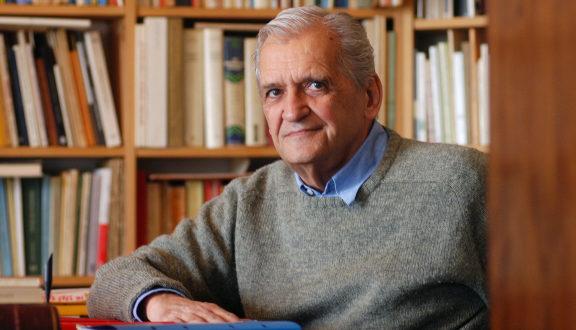 Τιμητική εκδήλωση στον ποιητή Τίτο Πατρίκιο